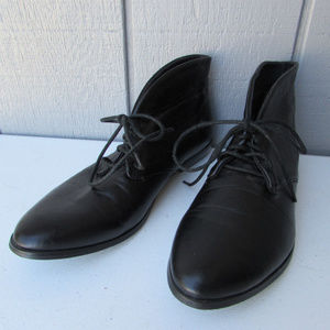 Very Volatile ankle boot flats-Very nice condition